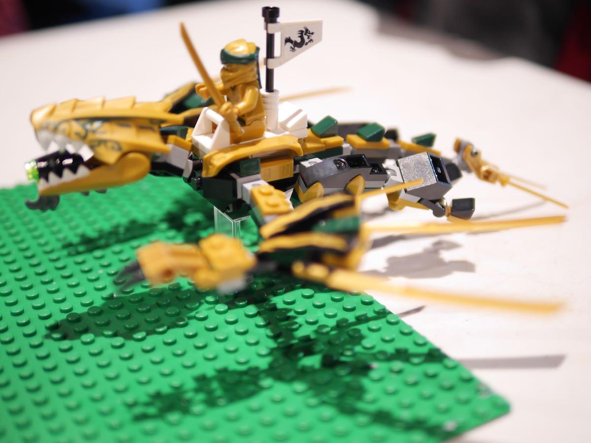 LegoStopMotionNinjaDragon